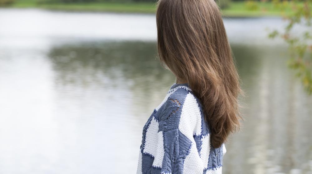 梅雨になると髪が広がる……この理由とヘアケア方法をcheck!