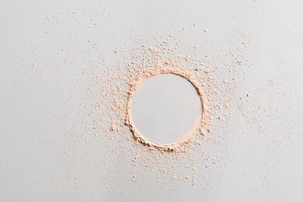 化粧品に含まれる「タルク」は本当に安全なの? 肌への役割や効果とは!?