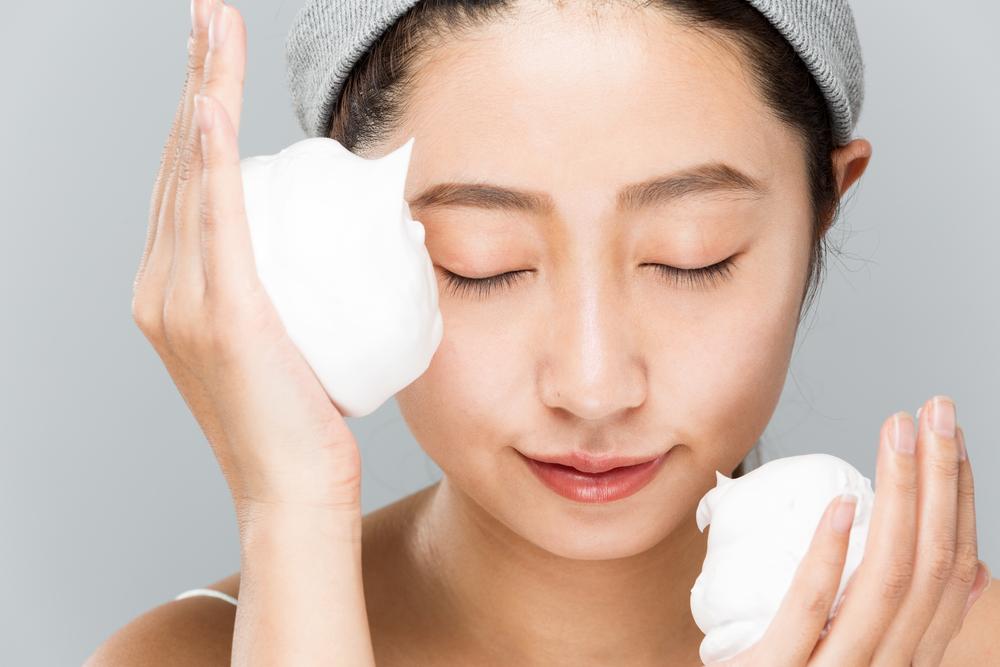 洗顔はモコモコ泡で。洗顔フォームの上手な泡立て方