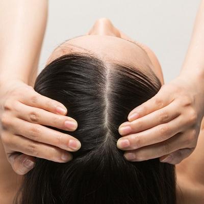 湿気が頭皮トラブルの原因に!? 梅雨時期に見直したいスカルプケア