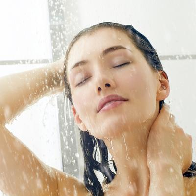 実は肌を傷つけやすい!? 「お風呂で洗顔」の注意ポイント