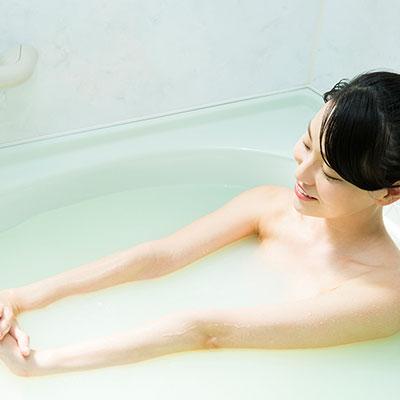 入浴剤を使うメリットって? 肌や体にどんな効果をもたらすの?