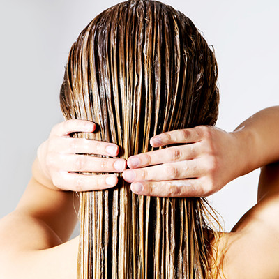 美しさの秘訣は髪にあり。ダメージヘアを防ぐヘアマスクの使い方